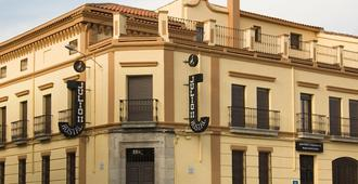 Hostal Julio - Trujillo - Edificio