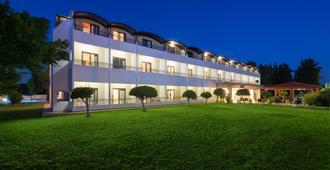 Matoula Beach Hotel - לאליסוס