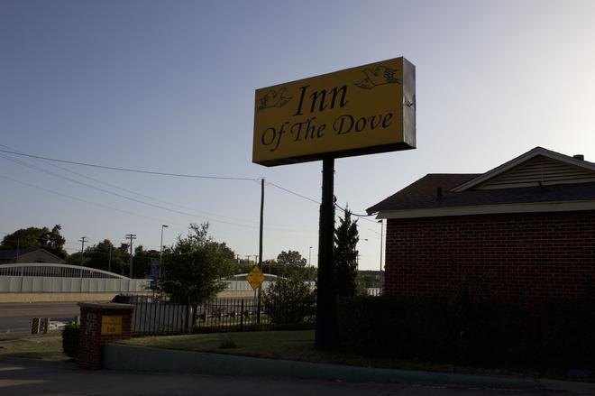 Inn of the Dove - Dallas - Vista del exterior