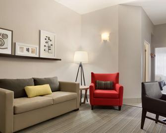 Country Inn & Suites by Radisson, Jackson, TN - Jackson - Wohnzimmer