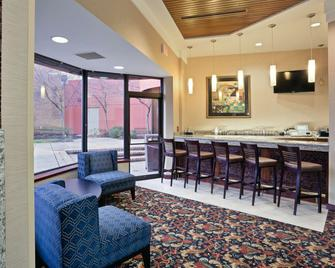 Radisson Hotel Cleveland Airport - North Olmsted - Bar