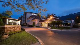 Staybridge Suites Monterrey - San Pedro - Monterrey - Gebäude