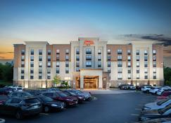 Hampton Inn & Suites by Hilton Barrie, Ontario, Canada - Barrie - Building