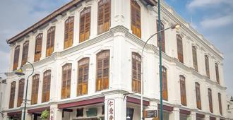 Ren I Tang Heritage Inn - George Town - Building