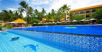 Hon Rom Central Beach Resort - Mũi Né - Pool
