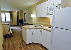 Extended Stay America Bloomington - Normal - Bloomington - Bedroom