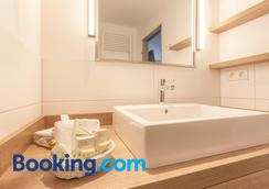 Hotel Bernstein - Ostseebad Sellin - Bathroom