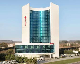 Ramada Hotel & Suites by Wyndham Edirne - Adrianopol - Building