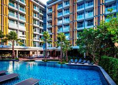 Hotel Amber Pattaya - Bang Lamung - Pool