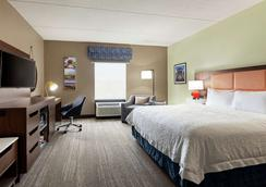 Hampton Inn & Suites Frederick-Fort Detrick - Frederick - Bedroom