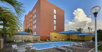 City Express Junior Cancun - Cancún