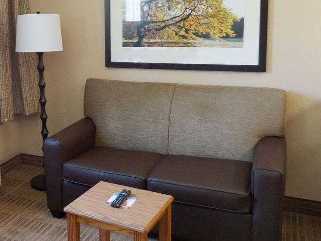 Extended Stay America - Findlay - Tiffin Avenue - Findlay - Wohnzimmer