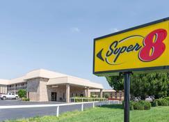 Super 8 by Wyndham Clovis - Clovis - Rakennus