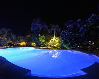 Thalatta Resort - Zamboanguita - Bazén