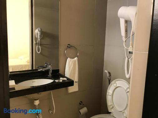 Hotel Italia Beach - Fortaleza - Bathroom