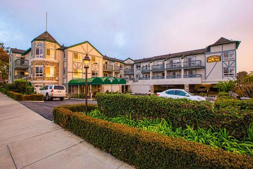 Ascot Inn at the Rock - Morro Bay - Rakennus