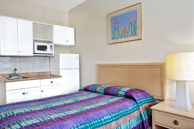 Knights Inn Hallandale - Hallandale - Bedroom