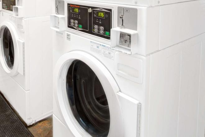 Knights Inn Hallandale - Hallandale - Laundry facility