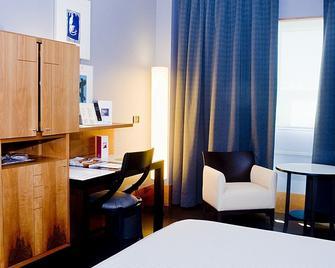 그란 호텔 라쿠아 - 비토리아 가스테이즈 - 침실