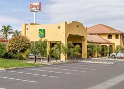 Quality Inn & Suites - Gilroy - Building