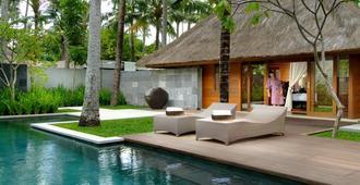 Kayumanis Jimbaran Private Estate & Spa - South Kuta - Pool