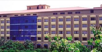 Kences, Tirupati - טירופטי