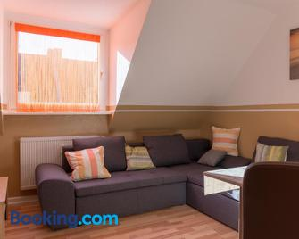 Apartment Widey Str. 52 - Віттен - Living room