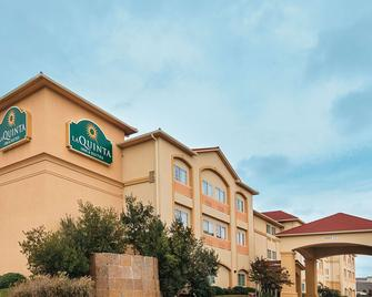 La Quinta Inn & Suites by Wyndham Woodway - Waco South - Waco - Building
