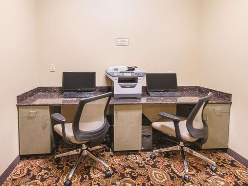 La Quinta Inn & Suites by Wyndham Woodway - Waco South - Waco - Business Center
