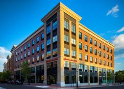 Hampton Inn & Suites Portsmouth Downtown - Portsmouth - Building