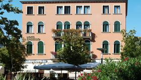 Hotel Cristallo - Venice - Building
