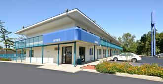Americas Best Value Inn Battle Creek - Battle Creek - Rakennus