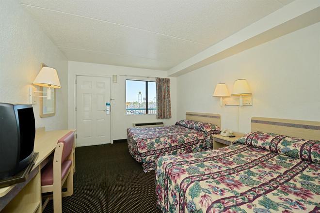 Americas Best Value Inn Battle Creek - Battle Creek - Bedroom
