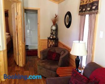 Pine Mountain Rv Resort - Pine Mountain - Living room