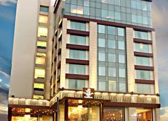 Hotel The Panache - Patna - Gebäude