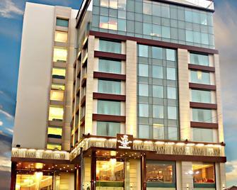 Hotel The Panache - Patna - Building