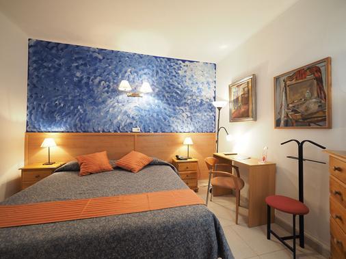 Hotel Montserrat - Sitges - Bedroom