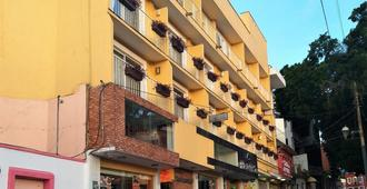 Hotel Ruah - קוארנאבאקה - בניין