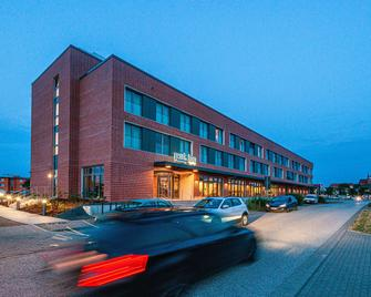 Park Inn by Radisson Wismar - Вісмар - Building