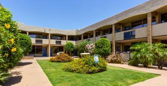 Motel 6 Glendale Az - Glendale - Edificio