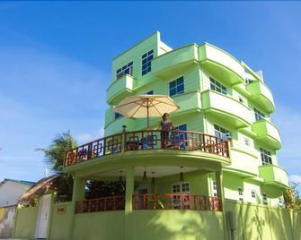 Leisure Boutique Hotel - Maafushi - Building