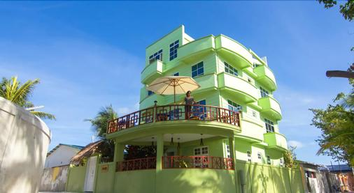Leisure Boutique Hotel - Maafushi - Building