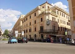 Alibrandi Palace - Civitavecchia - Makuuhuone