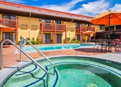 Best Western Plus Placerville Inn - Placerville - Pool
