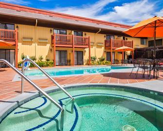 Best Western Plus Placerville Inn - Placerville - Bazén