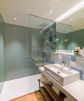 H10 馬洛卡海灘酒店 - 卡爾維亞 - 聖蓬薩 - 浴室