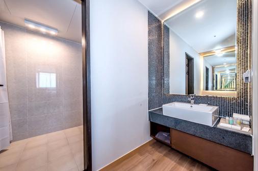 Hotel Shalom Jeju - Thành phố Jeju - Phòng tắm