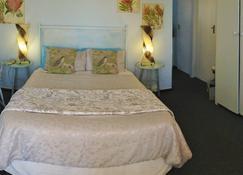 A1 Kynaston B&B - Jeffrey's Bay - Bedroom