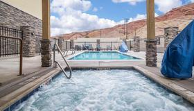 Comfort Suites Moab near Arches National Park - Moab - Uima-allas
