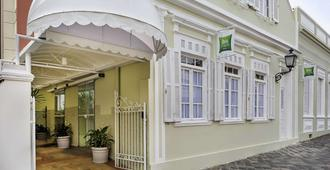 庫里提巴市中心宜必思酒店 - 古里提巴 - 庫里提巴 - 建築